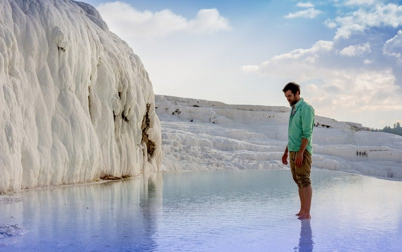 Awesome places to hitchhike in Turkey - Pamukkale - Journal of Nomads