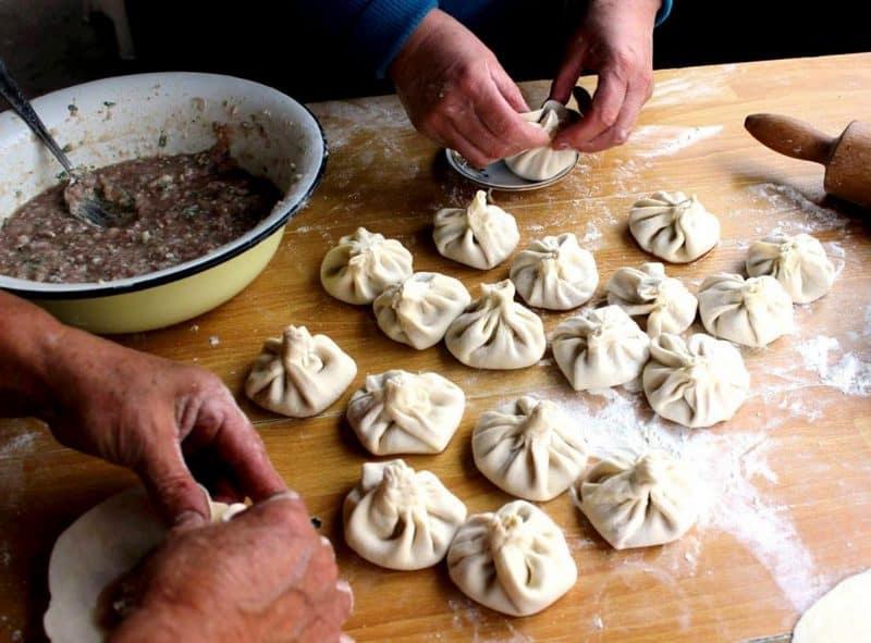 Georgian cuisine - making khinkali - Journal of Nomads