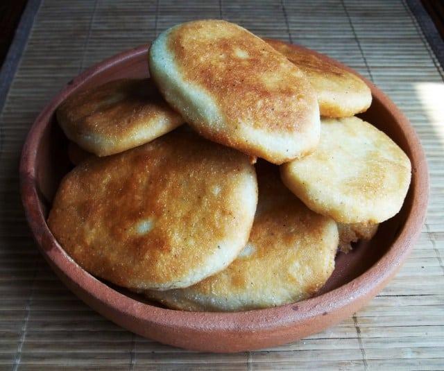 Georgian cuisine - mchadi - Journal of Nomads