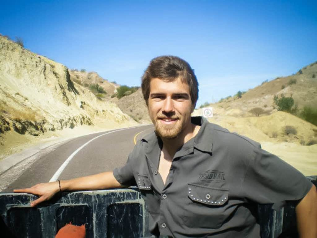 A complete guide to hitchhiking and staying safe on the road (10 years of experience) - hitchhiking in Mexico - Journal of Nomads