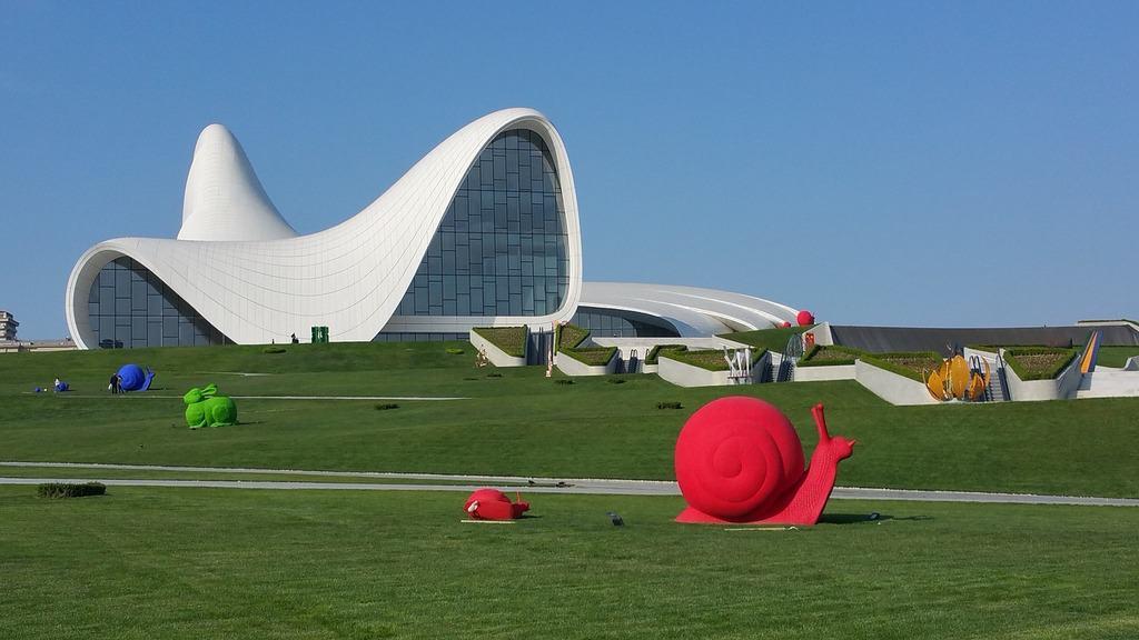 Heydar Aliyev center - Baku - Azerbaijan - Journal of Nomads
