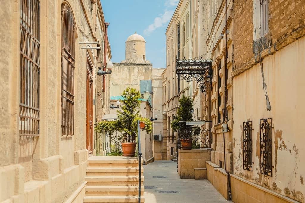 streets of Baku - Azerbaijan - Journal of Nomads