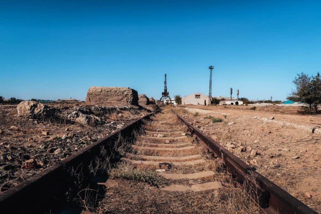 What happened to the Aral Sea? Visiting the ship graveyard of Aral and Zhalanash - Journal of Nomads - abandoned port of Aral