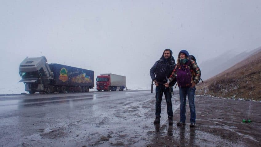 Hitchhiking in the snow - - Hitchhiking in Kyrgyzstan - Journal of Nomads