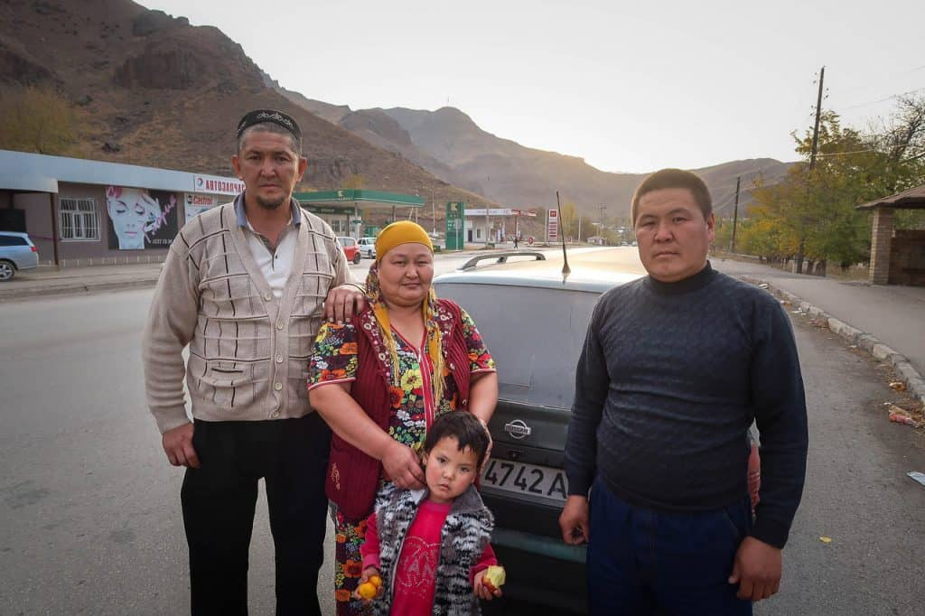 Hitchhiking in Kyrgyzstan - this family gave us a ride for free - Journal of Nomads