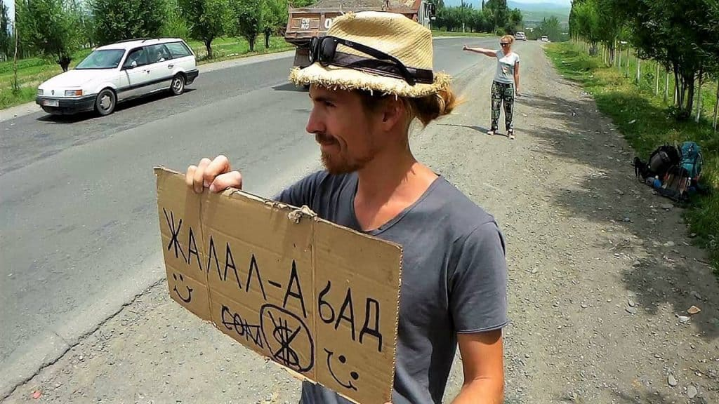 Hitchhiking sign in Kyrgyzstan - TimeZone Junkies - Journal of Nomads