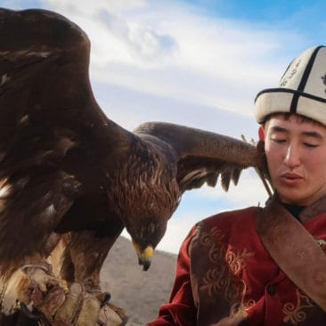 The Golden Eagle Hunters of Kyrgyzstan – About the traditions and where to visit the hunters