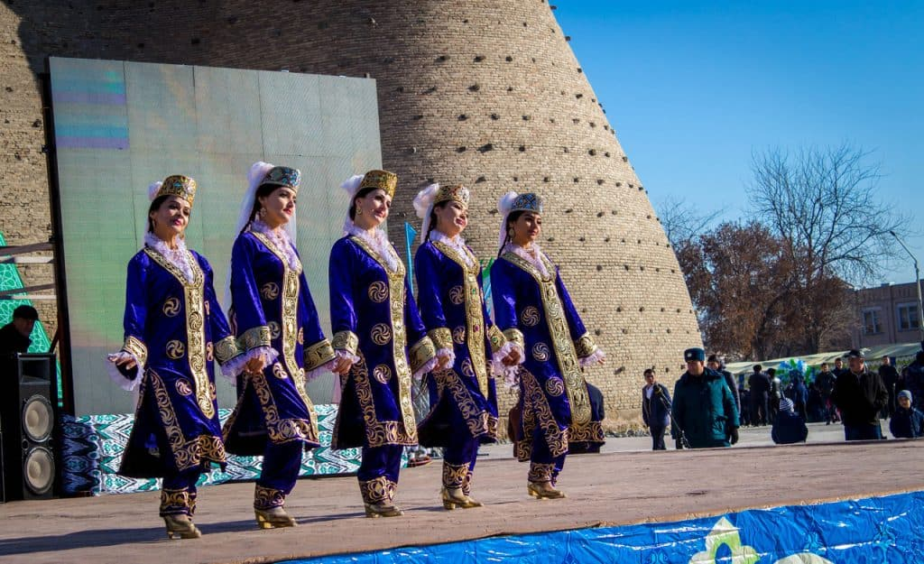 Travel Uzbekistan - Uzbek traditional dances - Journal of Nomads