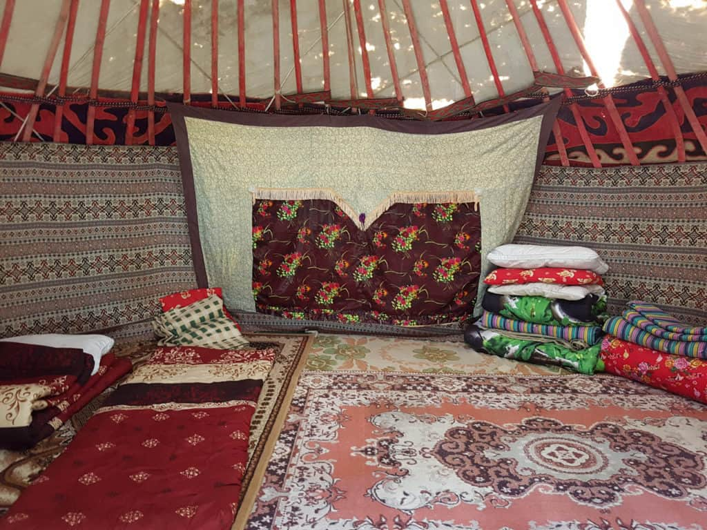 Kyrgyzstan summer tour - Journal of Nomads - hiking in Kyrgyzstan - sleeping in a yurt