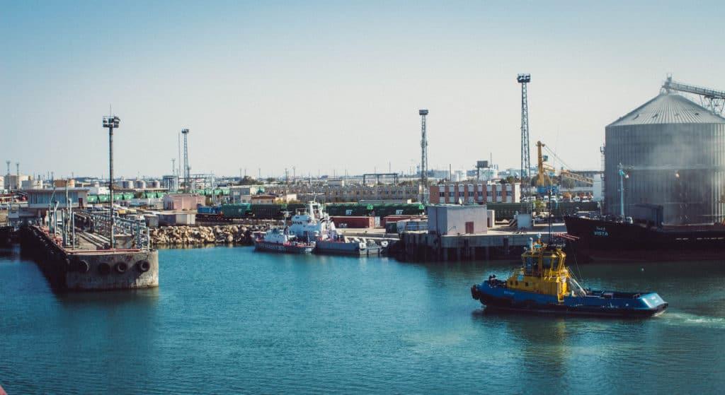 Crossing the Caspian Sea by boat – How to travel by cargo ship from Baku (Azerbaijan) to Aktau (Kazakhstan) - Journal of Nomads - port of Aktau