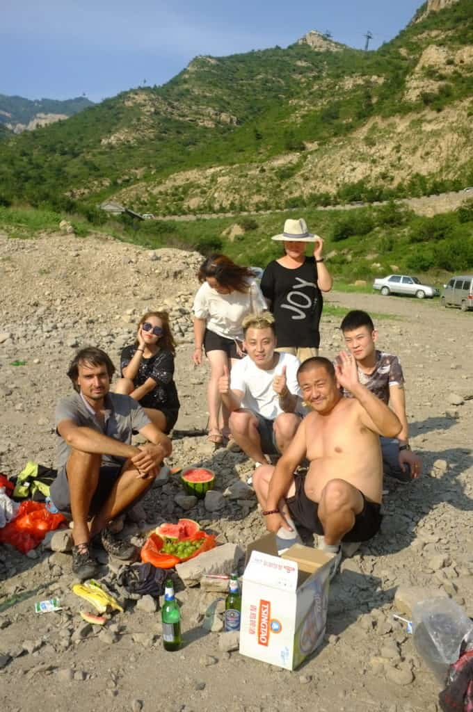 Hitchhiking in China - Journal of Nomads - hospitality in China