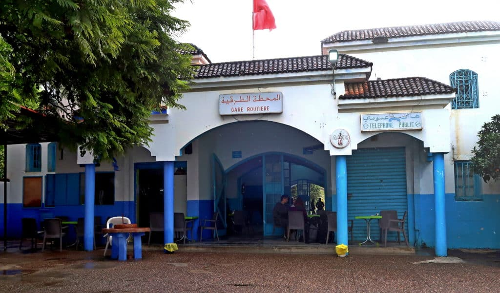 Top things to see and do in Chefchaouen, the Blue city of Morocco. City guide to Chefchaouen. How to get to and leave from Chefchaouen by bus. Bus station in Chefchaouen. Journal of Nomads