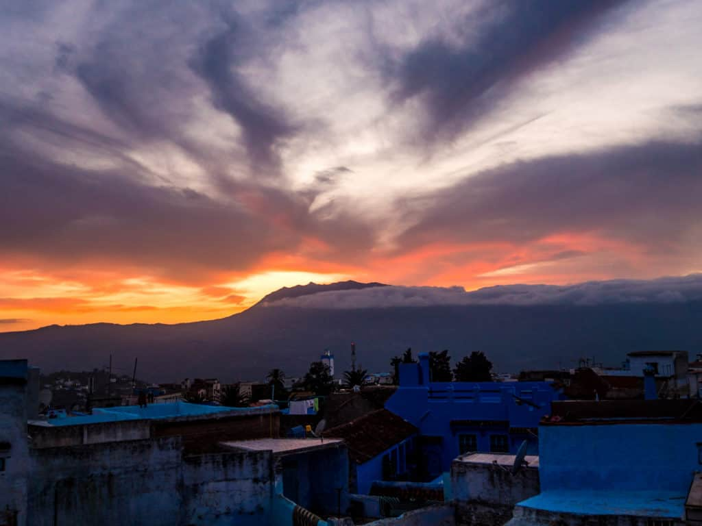 Things to do in and around Chefchaouen, the Blue City of Morocco - streets of Chefchaouen - sunset in Chefchaouen - Journal of Nomads