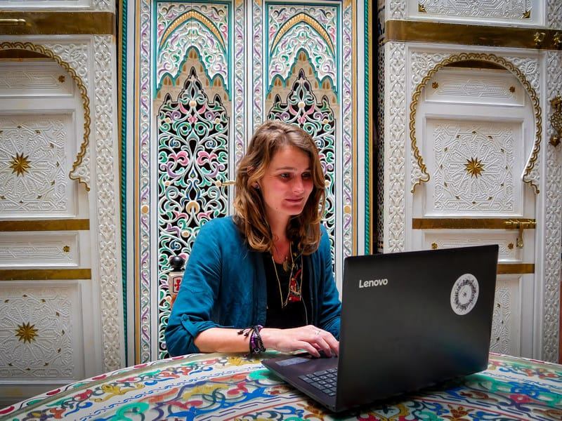 How to Teach English Online - Online Teaching Sites - Journal of Nomads