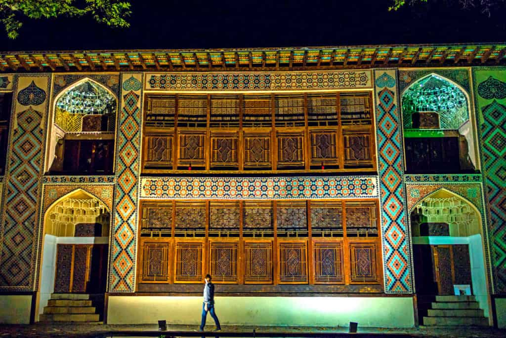 Backpacking in Azerbaijan - Palace of Shaki Khans in Sheki - Journal of Nomads