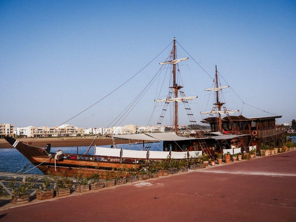 Le Dhow restaurant bou regreg river rabat Morocco - journal of nomads
