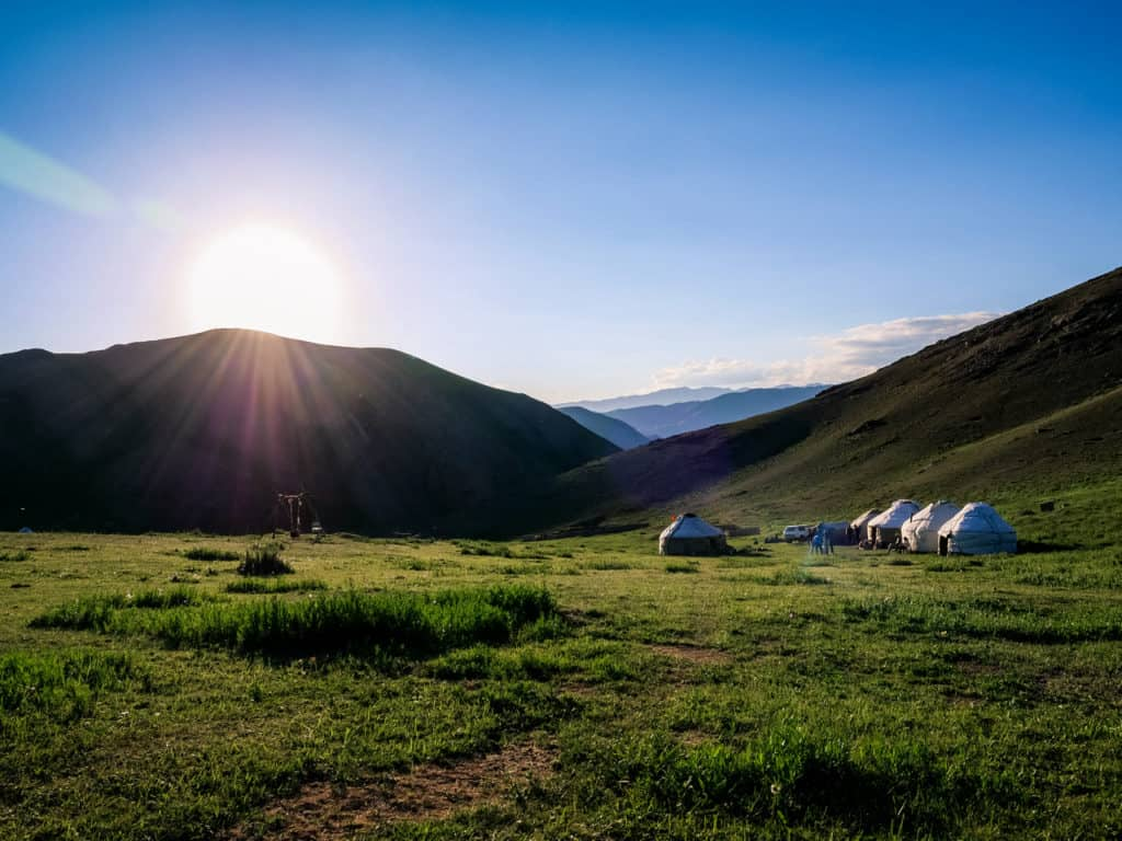 Hiking from Kyzart to Song Kul - A Complete Guide to Trekking in Kyrgyzstan with the best and most beautiful hikes of the country - Journal of Nomads