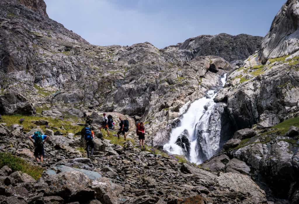 A Complete Guide to Trekking in Kyrgyzstan with the best and most beautiful hikes of the country - Journal of Nomads - Hiking to Ala Kul lake Kyrgyzstan