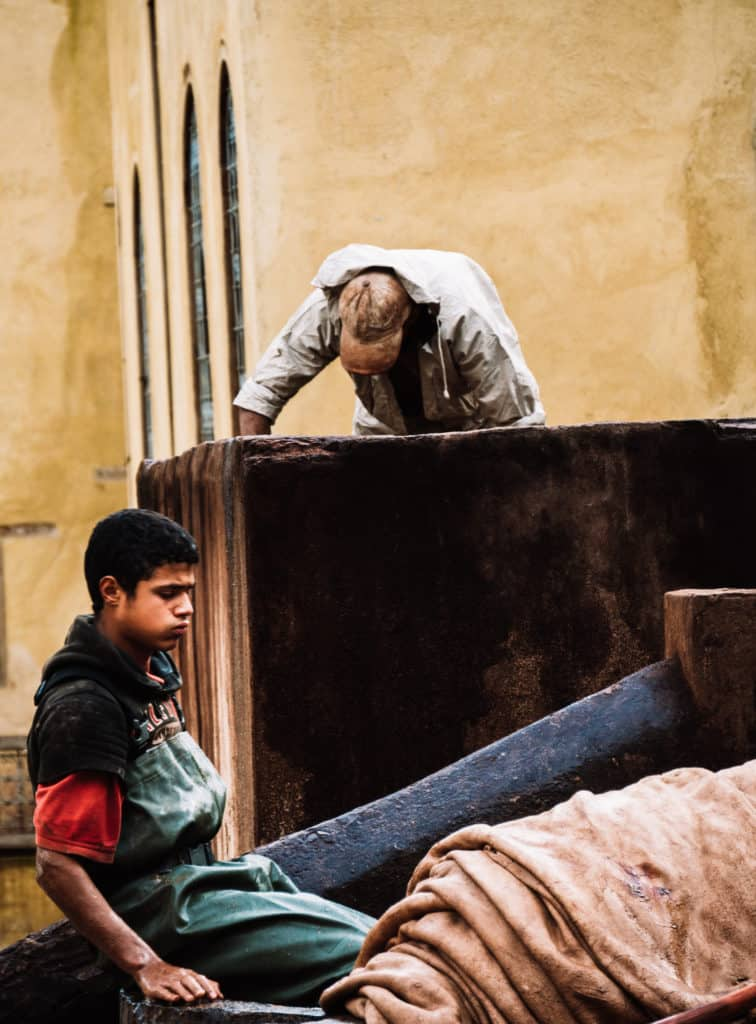 tanneries of Fez - hard work - tanning process - Journal of Nomads