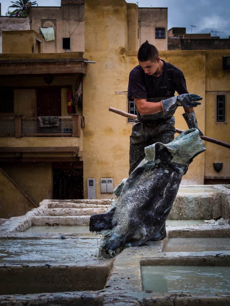 Taking out the hides to wash and dye - Leather tanneries of Fez - Journal of Nomads