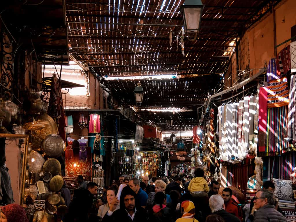 Crowded markets in Marrakesh - Morocco photography - Journal of Nomads