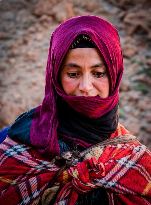 Photo Moroccan woman in High Atlas Mountains - Journal of Nomads