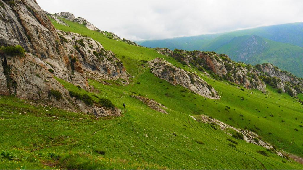 hiking near Osh Kyrgyzstan - tips for treks in Kyrgyzstan - Journal of nomads