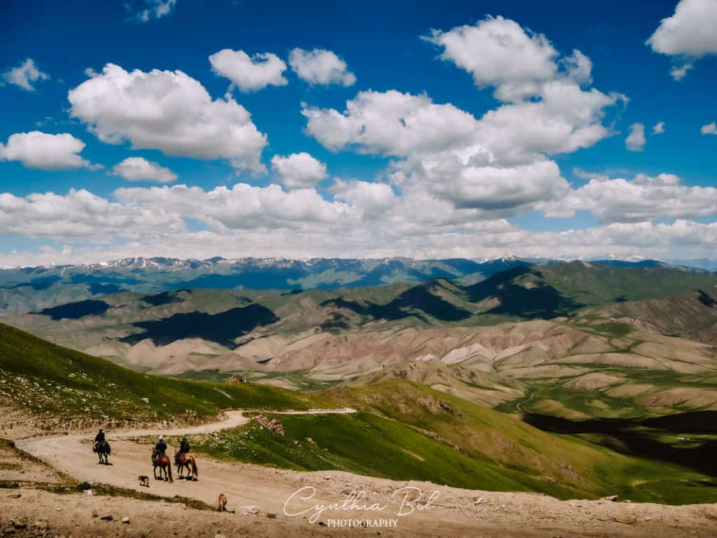 Horseriding in Kyrgyzstan - horseback trek to Song Kol - Kyrgyzstan Tour - Journal of Nomads