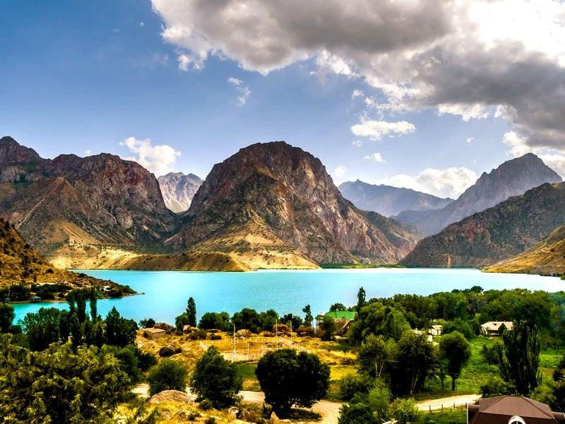 What to do on a trip to Iskanderkul Lake in Tajikistan