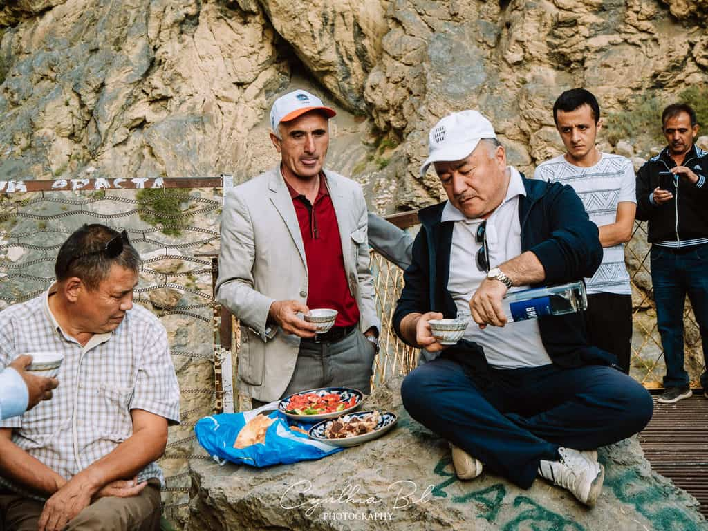 Tajikistan hospitality - Iskanderkul Fann Mountains - Journal of Nomads