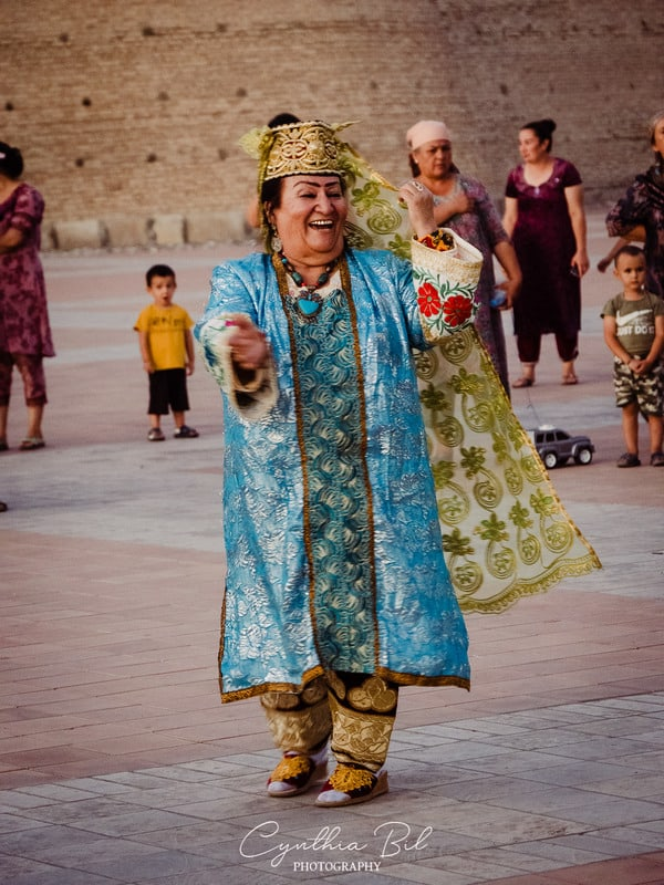 street performances in Bukhara