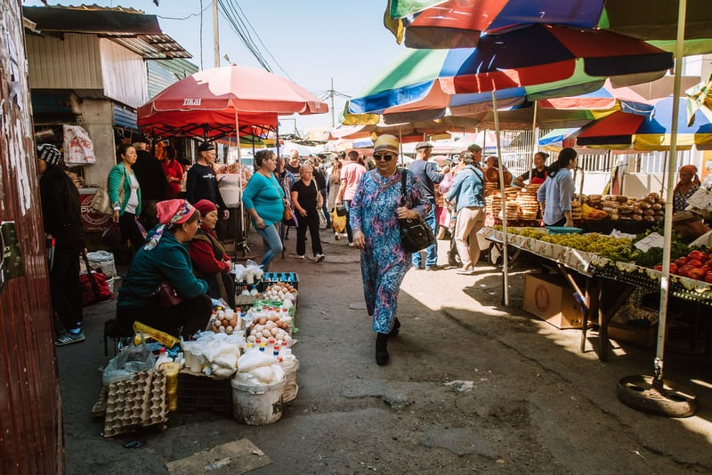Is it safe to visit the Osh Bazaar?