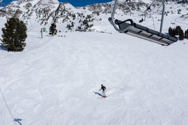 ski instructors in Japan
