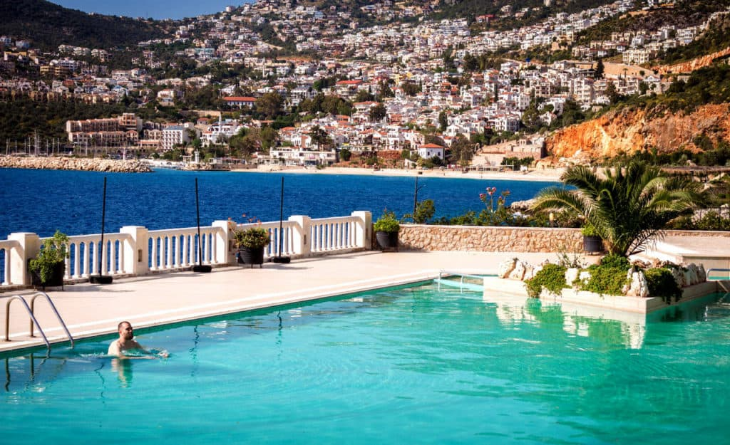 How to become a house sitter - house sitting jobs with pool in Turkey